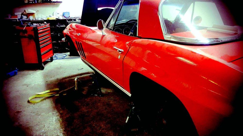 Garage automobile pour la restauration de voiture ancienne à Annecy